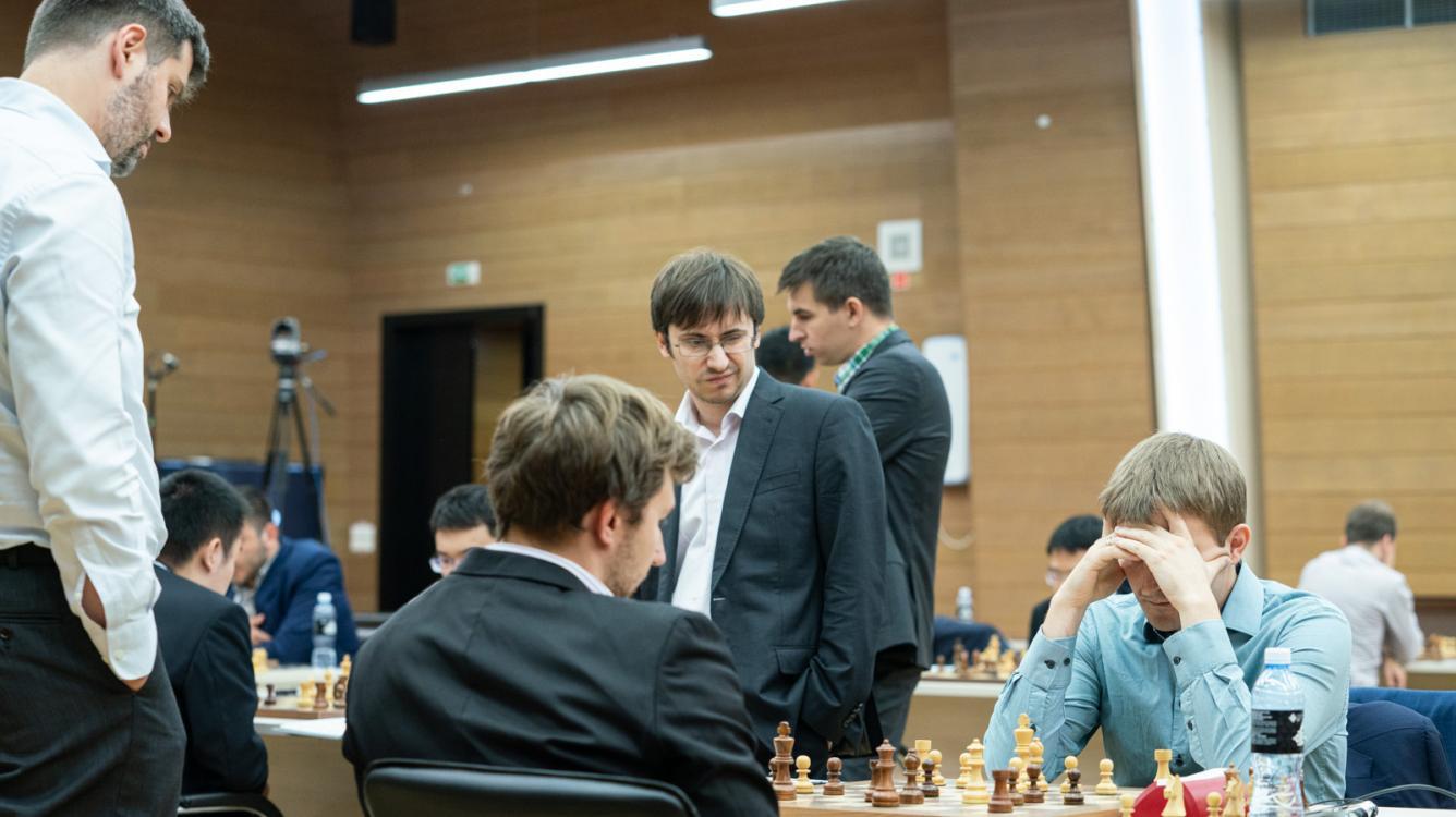 FIDE Chess World Cup: Karjakin, Harikrishna In Trouble