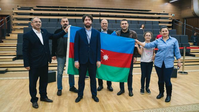 Radjabov remporte la Coupe du Monde, MVL troisième.