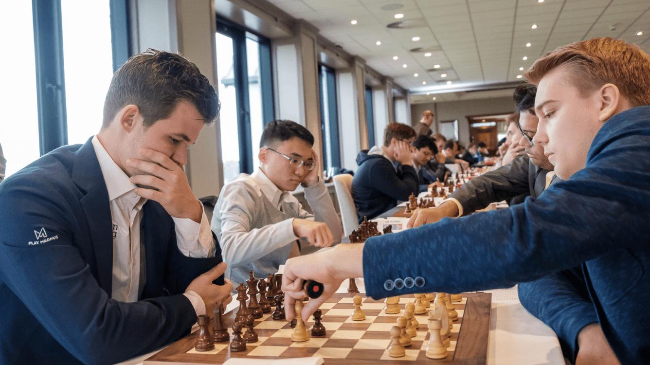 Большая швейцарка ФИДЕ и Chess.com: Ковалев почти победил Карлсена