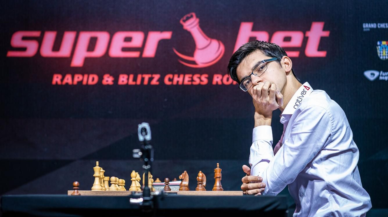 Бухарест Grand Chess Tour: Гири выходит вперед в первый игровой день