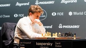 Duda pokonuje Dubova i awansuje do finału Grand Prix FIDE w Hamburgu