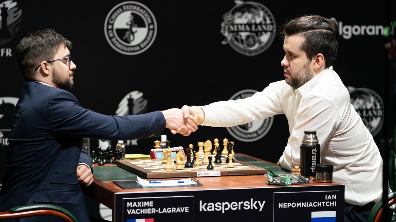 Vachier-Lagrave Derrota Nepomniachtchi e Lidera o Torneio de Candidatos da FIDE no Primeiro Turno
