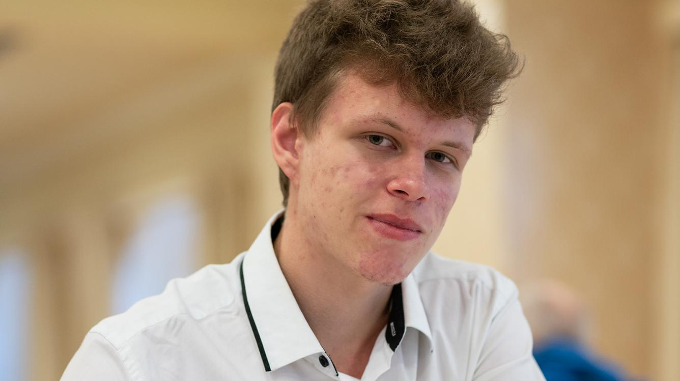 Strong Start For Artemiev At Chessable Masters