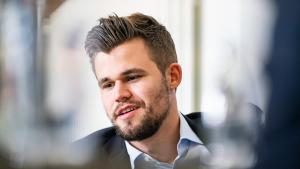 Carlsen vence o Clutch Chess International