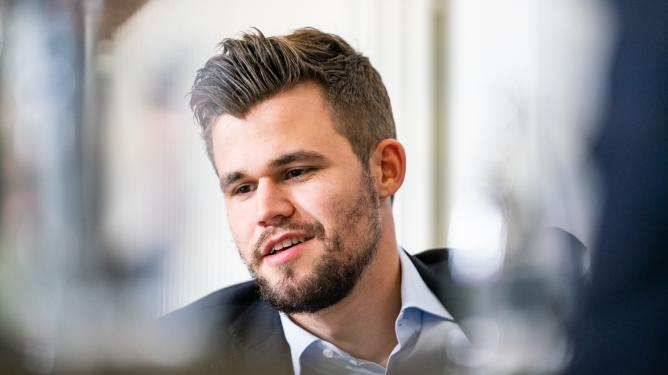 Carlsen gewinnt das Clutch Chess International