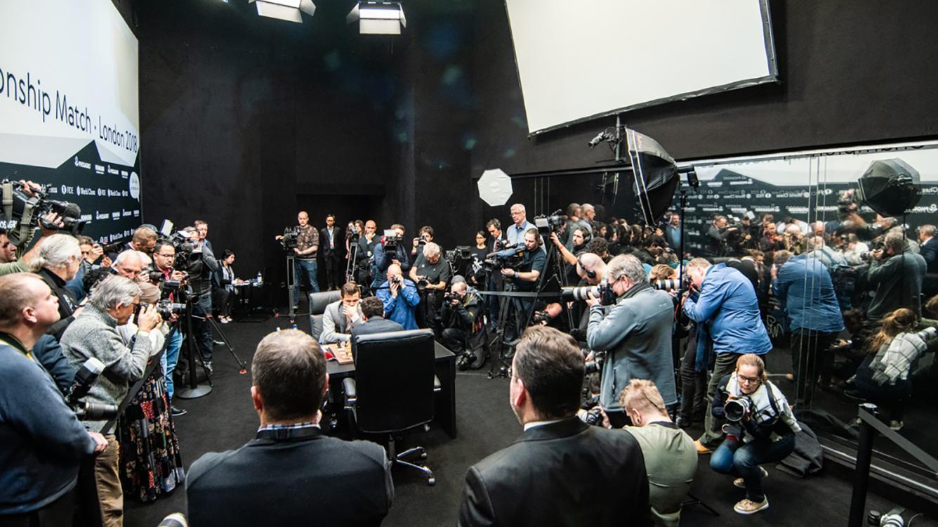 Матч на Первенство мира по шахматам отложен до 2021 года