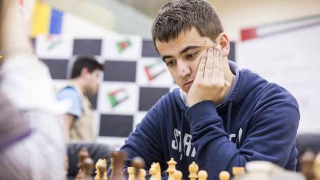 Santos Beats Shirov, Reaches Leon Masters Final