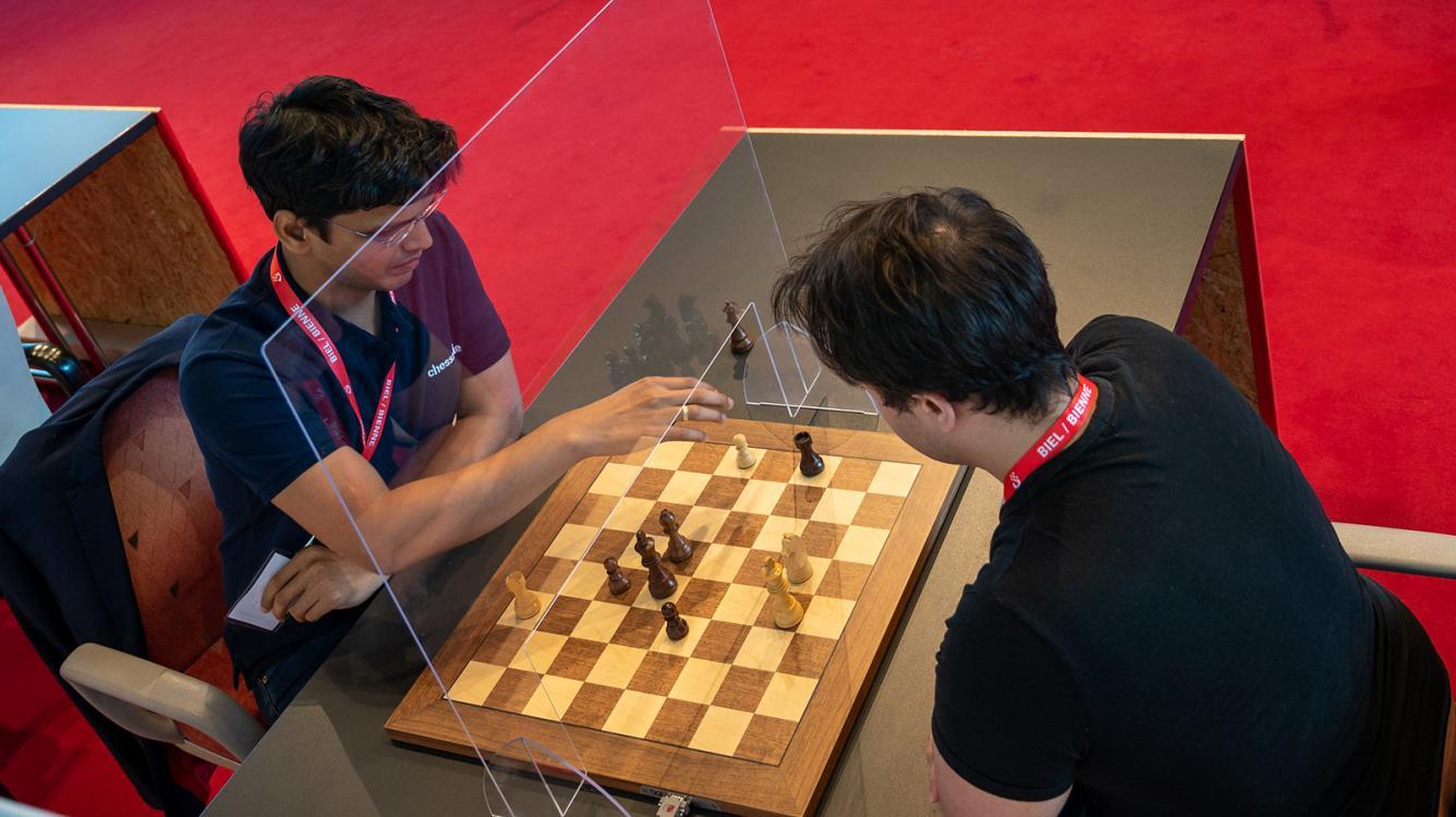 Harikrishna Wins Biel Chess960 As Plexiglass Separates Players