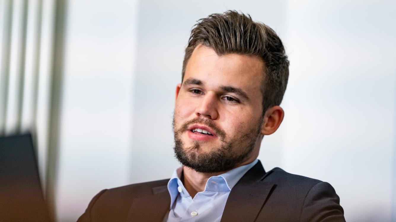 Carlsen Sole Leader At Legends Of Chess