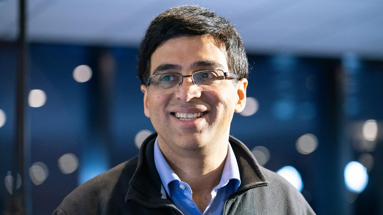 Anand Gets 1st Win At Legends Of Chess
