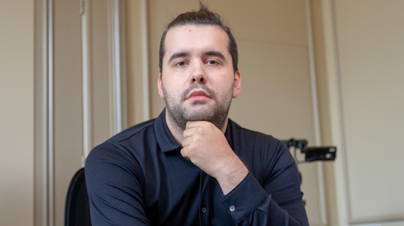 Легенды Шахмат: Непомнящий в погоне за Карлсеном