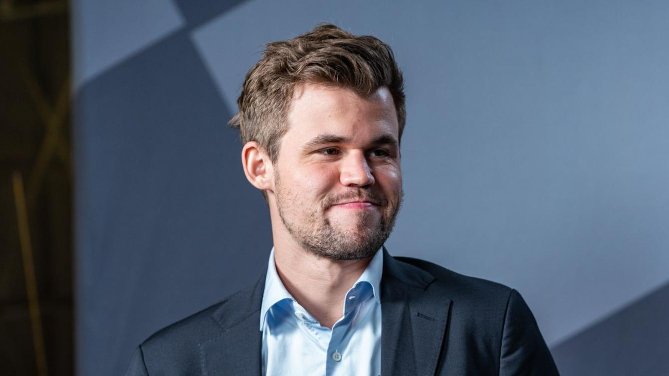 Legends of Chess Final: Carlsen Takes Lead