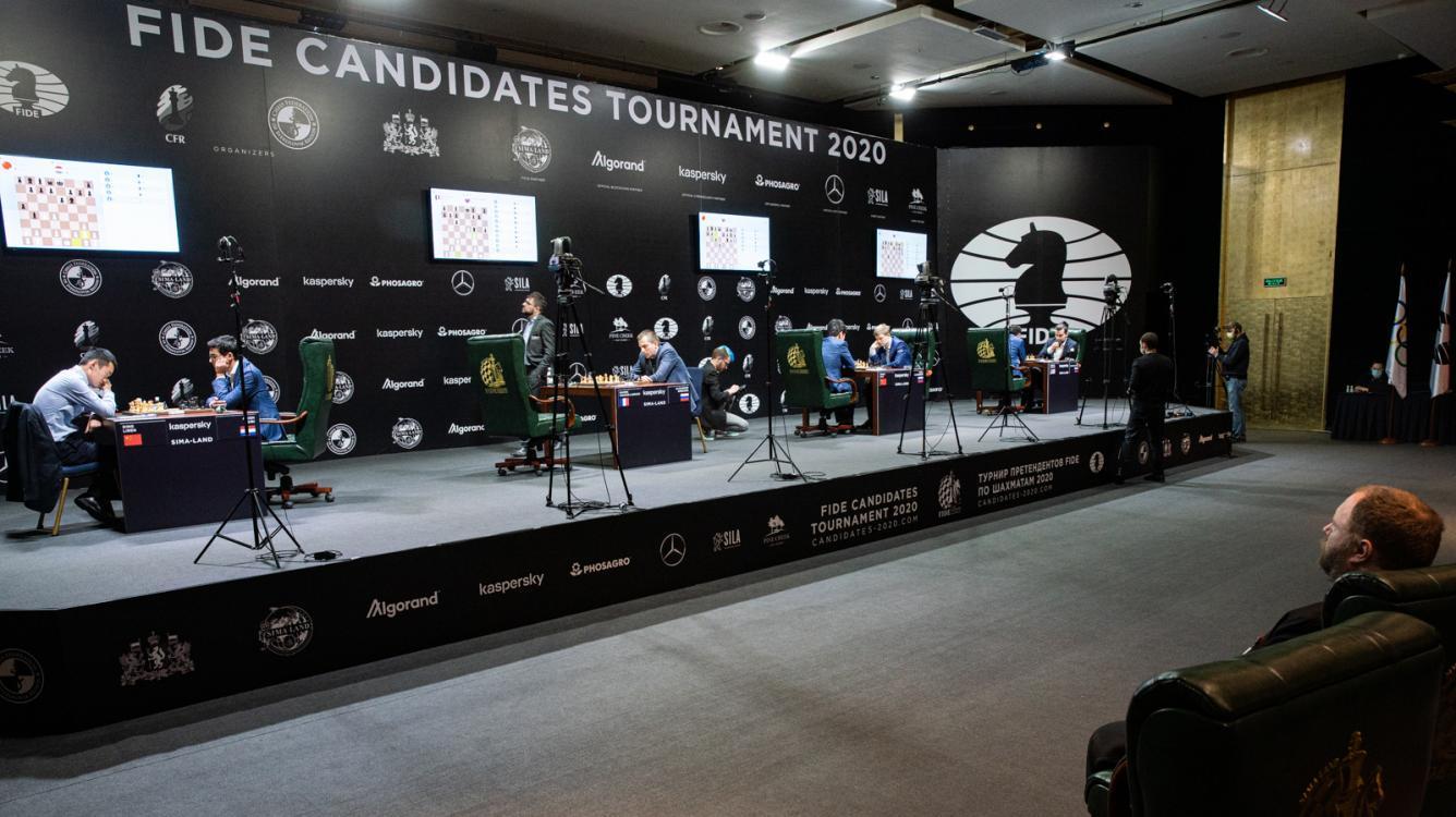 МОЛНИЯ: Турнир претендентов ФИДЕ возобновляется 1 ноября