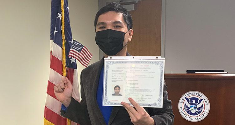 Уэсли Со получает гражданство США