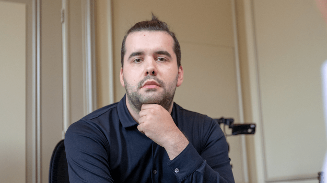 Magnus Carlsen Invitational: Непомнящий ведет в матче с Карлсеном