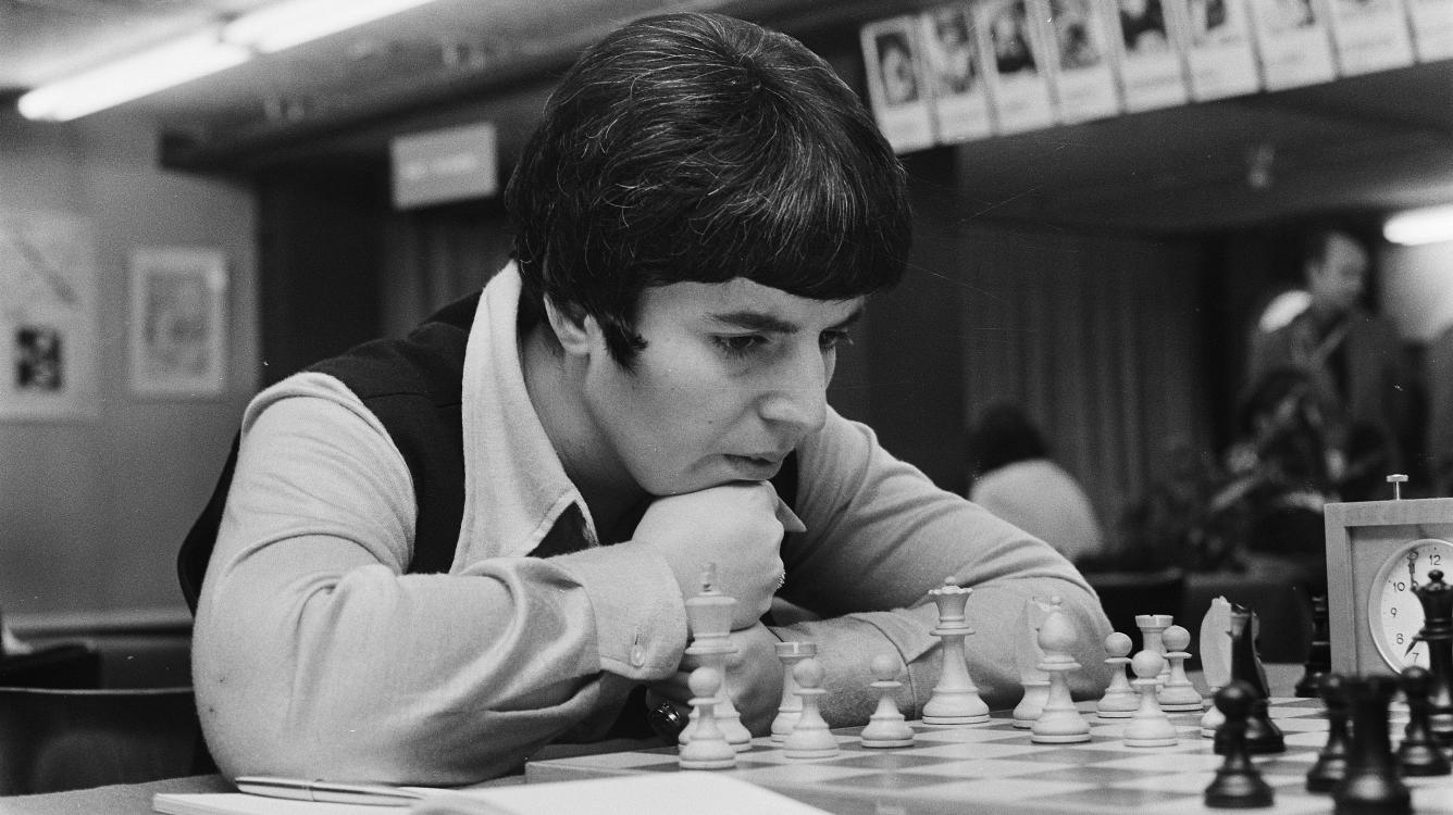 Nona Gaprindashvili demanda a Netflix por presunta difamación en 'The Queen's Gambit' - Chess.com