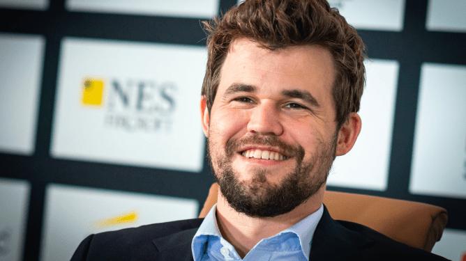 Magnus Carlsen remporte le Norway Chess devant Alireza Firouzja