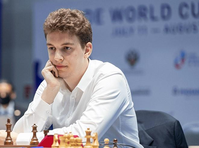Champions Chess Tour Finals Day 2: Carlsen, MVL Perfect