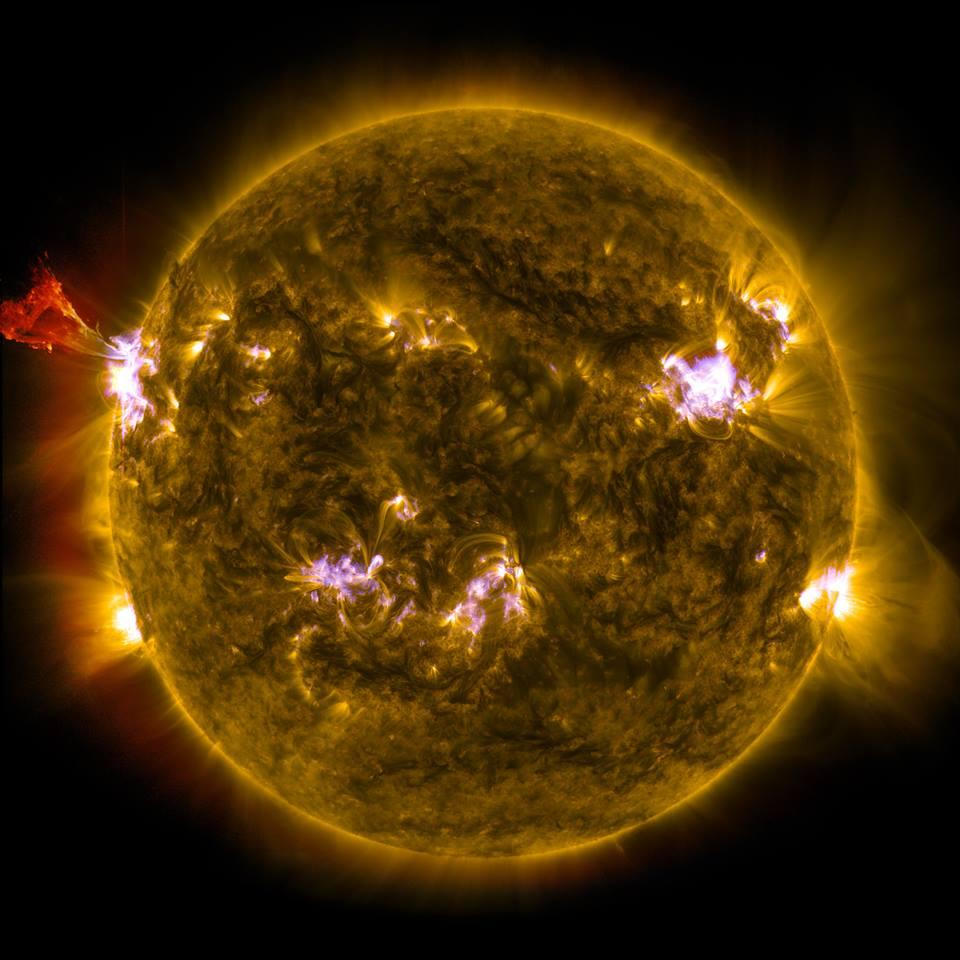 nasa satellite to the sun - HD 4096×4096