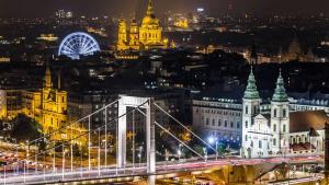 Live Session: Budapest Blitz!